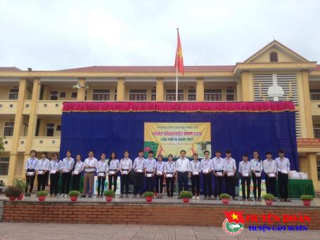 Đoàn trường THPT Nguyễn Đình Liễn tổ chức các hoạt động hưởng ứng Ngày sách Việt Nam 21/4 lần thứ IV, năm 2017